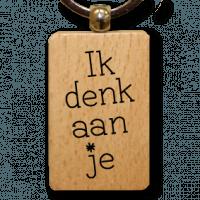 houten-sleutelhanger-lokwinske-nl-22-ik-denk-aan-je